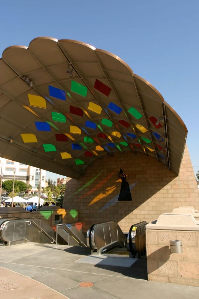 Mariachi-Plaza-2