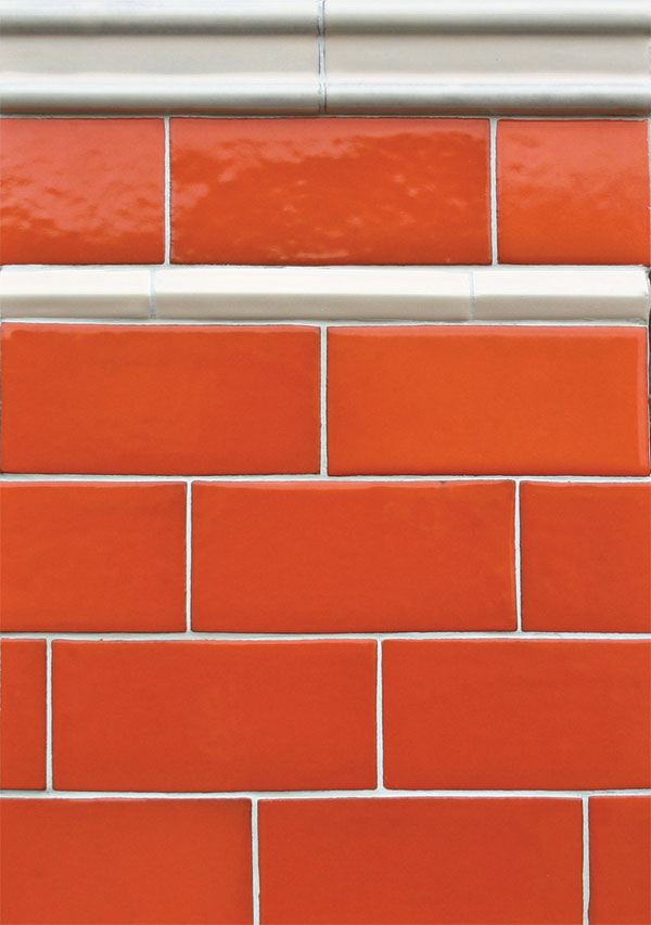 3x6 Tangerine Field Tile, White Bread 1'' Pinnacle Liner and White Bread Moulding A
